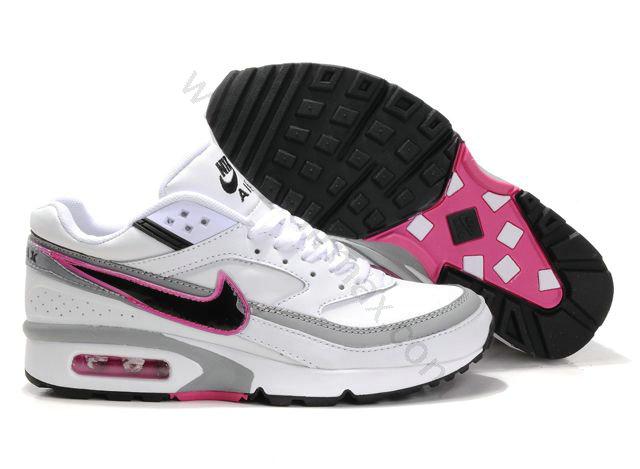 hot sale online a908a 5d450 Chaussures Nike air max BW femme vente chaude Blanc Noir et Roug,nike air  huarache